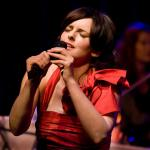 The Paradiso Orchestra en Julie Feeney, foto Hans Speekenbrink